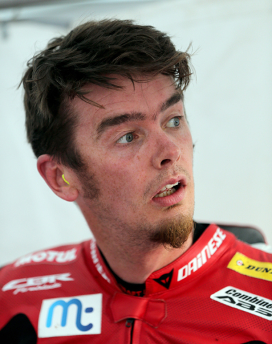 CUMMINS JOINS McGUINNESS AT TEAM WINFIELD FOR CLASSIC TT