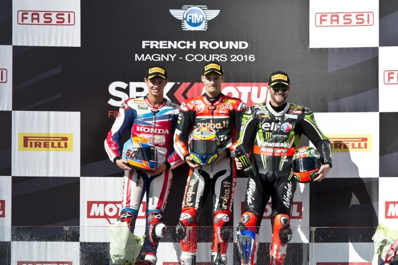 Van der Mark takes second place in thrilling race one at Magny-Cours