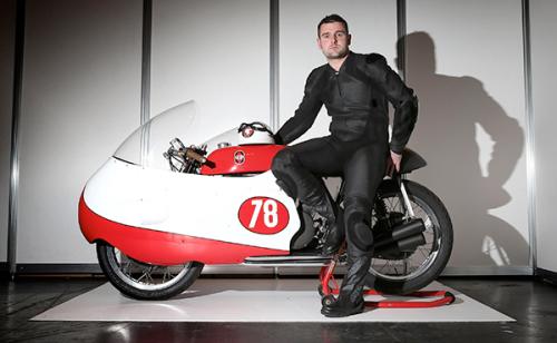 Michael Dunlop, with the Bob McIntyre Gilera replica