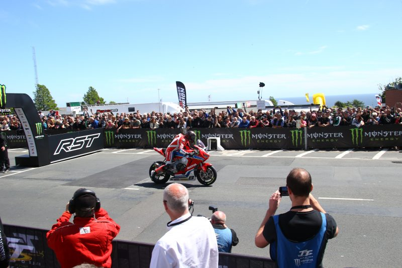Early end to Superbike TT for Honda Racing