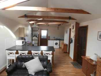 The Sheiling Self Catering Cottage, Bikers welcome, Shetland, Scotland Isla