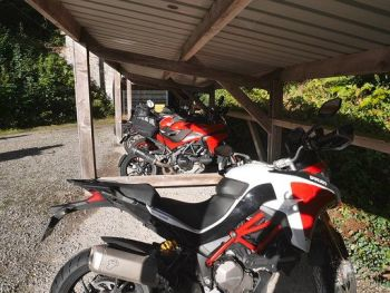 Moto-hotel du Col de Bussang, Biker Friendly, parking, France