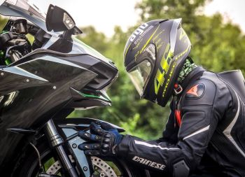 Top Apps to Have on Your Phone When Riding