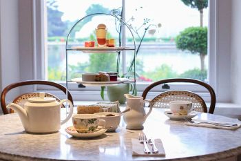 Visit to Kew Gardens with Afternoon Tea at The Botanical for Two