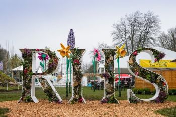 Treat them to tickets to an RHS Flower Show!