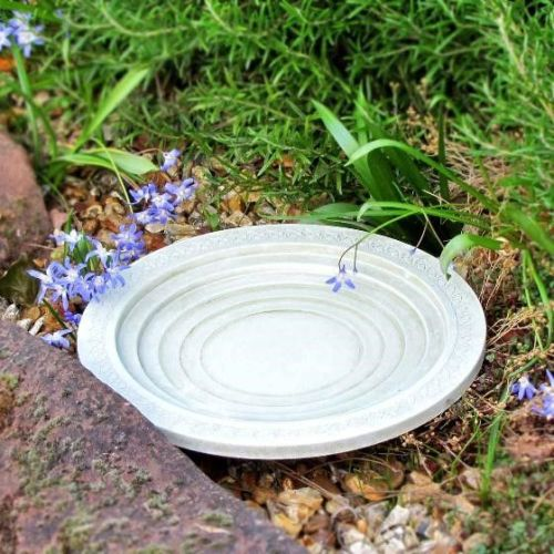 This Nature Oasis bird bath & drinker is from the RSPB
