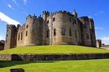 Visit to Alnwick Castle and Garden with Afternoon Tea for Two