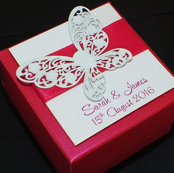 BUTTERFLY (Hot pink) - personalised favour box (box only)