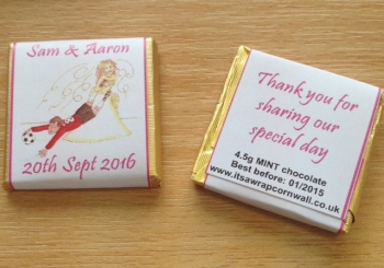 FOOTBALL BRIDE (HOT PINK) - mini 4.5g chocolate favour