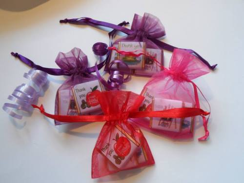 TEACHER THANK YOU DRAWSTRING FILLED FAVOUR (3 mini chocs: mixed designs)