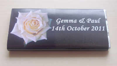 IVORY ROSE ON BLACK BACKGROUND - large favour 40g