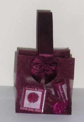 WINE ORGANZA FILLED TOTE FAVOUR (mini chocs & love hearts inside and bubbles as optional extra)