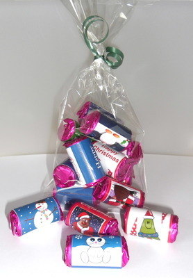 BAG OF CHRISTMAS MINI LOVE HEARTS (mixed random designs)