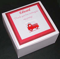FIRE ENGINE PERSONALISED FAVOUR BOX - 95x95x50mm (no contents included)