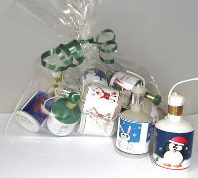BAG OF CHRISTMAS PARTY POPPERS (mixed random designs)