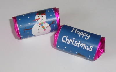 SMILEY SNOWMAN - mini roll love hearts