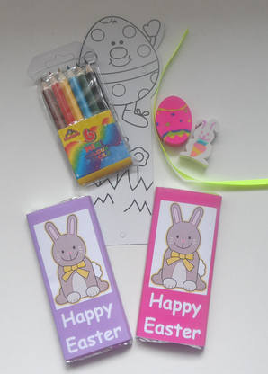 BOOKMARK COLOURING SET inside