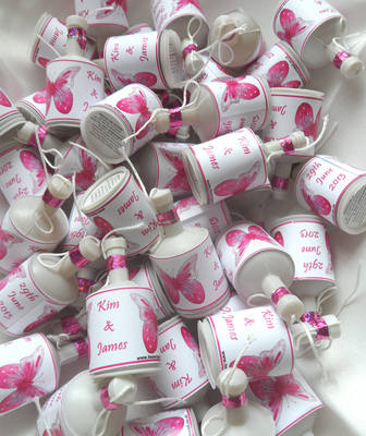 PINK BUTTERFLY - party poppers