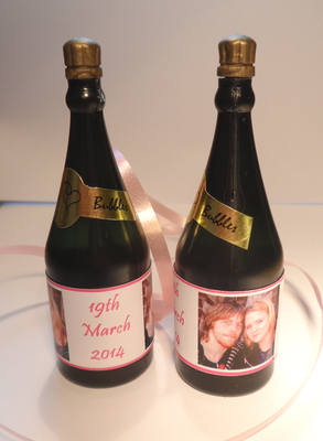 PHOTO - bubbles (bottle shaped)