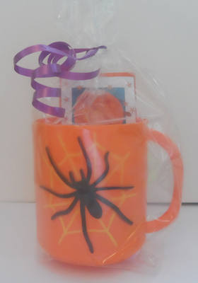 SPIDER CHOC 'n' MUG - 40g personalised bar in halloween plastic mug
