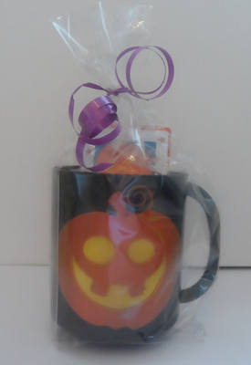 PUMPKIN CHOC 'n' MUG - 40g personalised bar in halloween plastic mug
