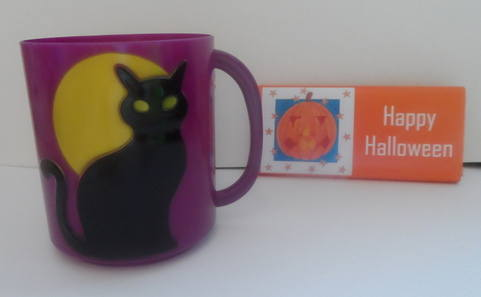 BLACK CAT CHOC n MUG inside