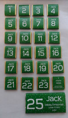 GREEN ADVENT (24 mini squares and 1 x 40g large bar) in christmas organza bag