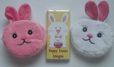 EASTER CHOC 'n' PURSE - 40g milk chocolate bar with rabbit keyring purse (white or pink purse)