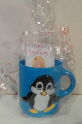 PENGUIN CHOC 'n' MUG - 40g personalised bar in child's plastic mug