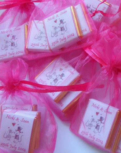MICE COUPLE (HOT PINK) - filled favour with 3 mini chocs