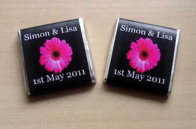 PINK GERBERA ON BLACK BACKGROUND - mini 4.5g chocolate favour