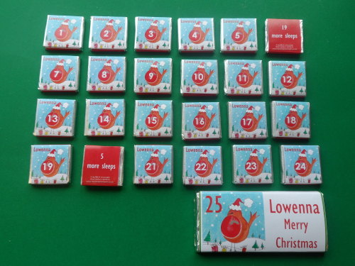 ROBIN ADVENT (24 mini squares and 1 x 40g large bar) in christmas organza bag