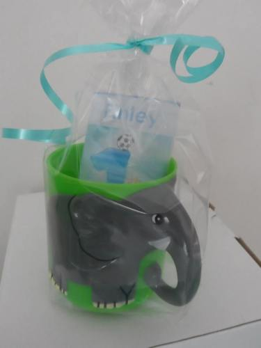 ELEPHANT CHOC 'n' MUG - 40g personalised bar in child's plastic mug