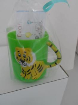 TIGER (YELLOW) CHOC 'n' MUG - 40g personalised bar in child's plastic mug
