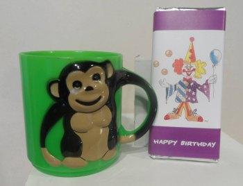 MONKEY CHOC 'n' MUG - 40g personalised bar in child's plastic mug