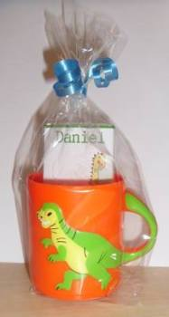 DINOSAUR ORANGE CHOC 'n' MUG - 40g personalised bar in child's plastic mug