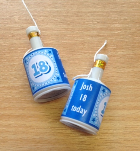 18th BIRTHDAY (BLUE) - party poppers