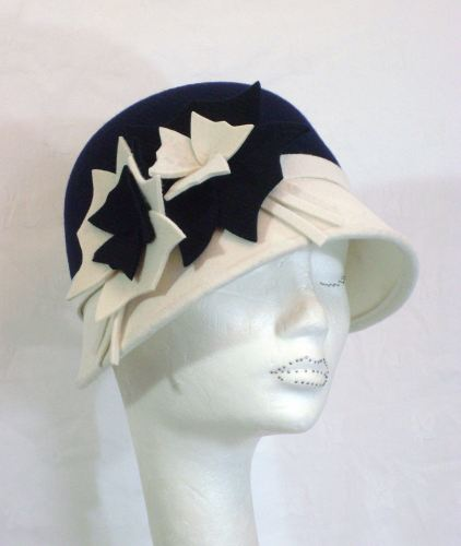 1920's style bi-colour cloche felt hat