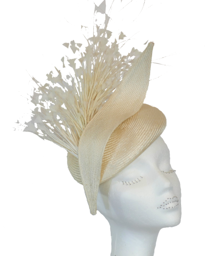 Ivory cream pill with dramatic feathers by Whiteley 434/607