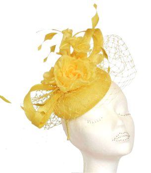 Deep yellow pill with silk flowers & veiling JB/072