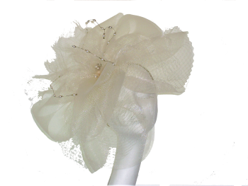 Large Ivory crin headpiece with pearl detail