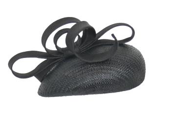 Black Como teardrop shaped beret percher  434/144