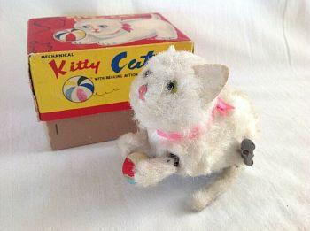 Vintage White Kitten With Ball In Box Alps Japan Clock Work Clockwork Toy & Key