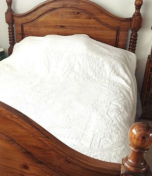 Antique Victorian Marcella White Linen quilt Large Fits a King Size Bed
