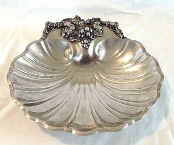 Antique silver plate Shell Bowl Grape Vine Design Interior Dec Reed & Barton