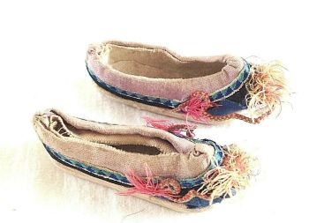 Antique Chinese miniature doll shoes