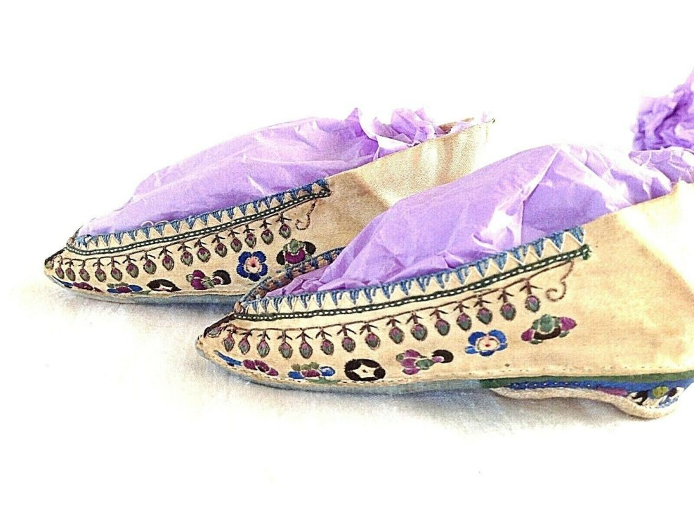Antique Chinese Pale yellow Silk Bound Foot Lotus Shoes Embroidered With Fl
