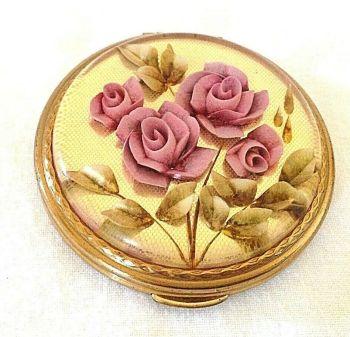 Vintage Kigu carved Lucite rose powder compact mauve pink gold tone metal