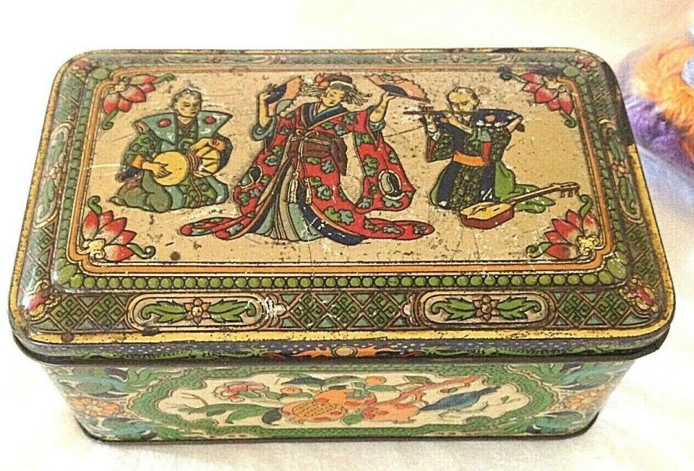 Antique Chinese characters Fry's chocolate sweet tin