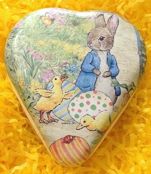 An Easter heart shaped gift box bunny Beatrix Potter Peter Rabbit chicks Vintage style 12 cm